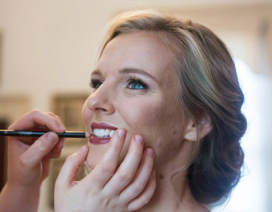 Bride Anna with Makeup Brush in Apex